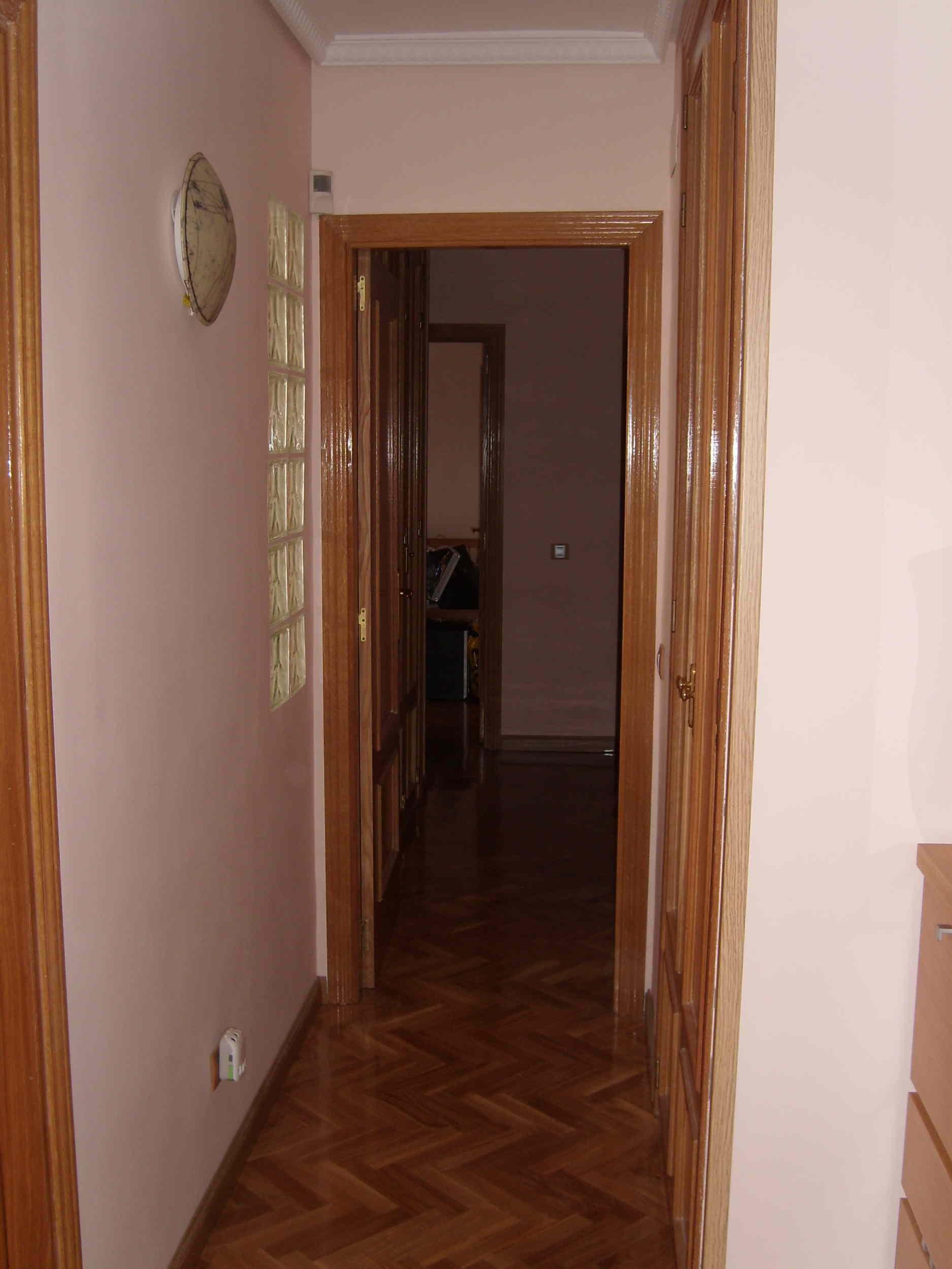 En este pasillo encontramos el segundo armario empotrado - Armarios para entradas ...